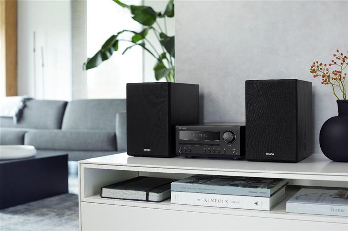 紧凑型Denon D-T1的音乐系统,支持蓝牙播放,提供Hi-Fi品质