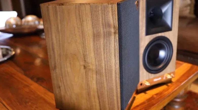 Klipsch The Sixes Powered Bookshelf Speakers.jpg